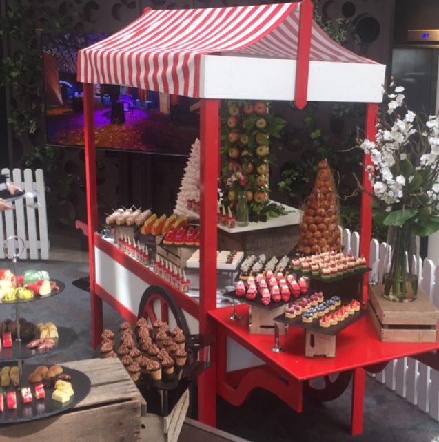 red food cart